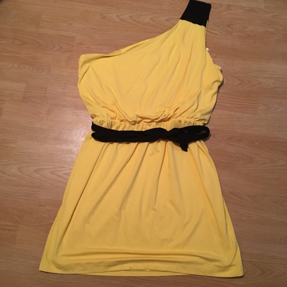 New York & Company Dresses & Skirts - NWT! Vibrant Yellow One Shoulder Dress